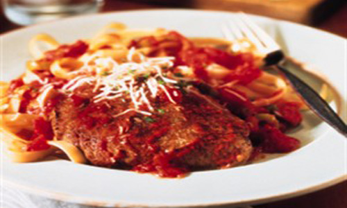 Mediterranean Steak & Pasta With Tomato-Olive Sauce